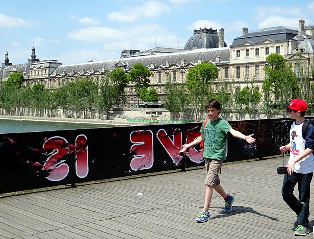 paris pont des arts 2015 anti love