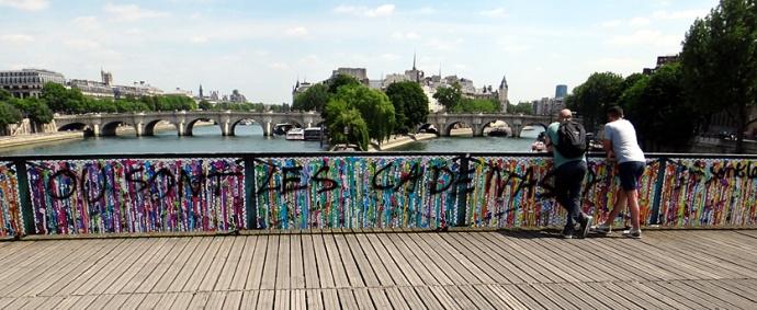 paris pont des arts 2015 ou sont les cadenas