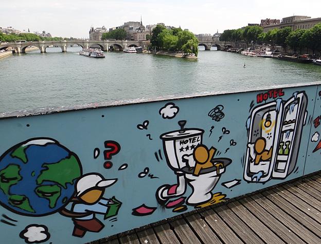 paris pont des arts 2015 paris poubelle socialiste 1