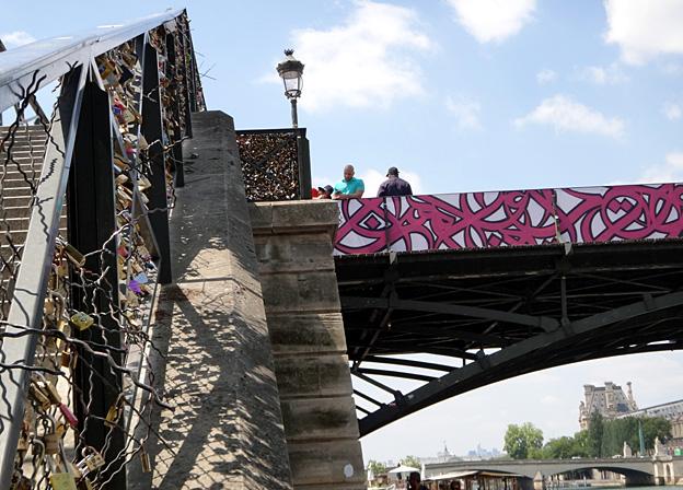 paris pont des arts 2015