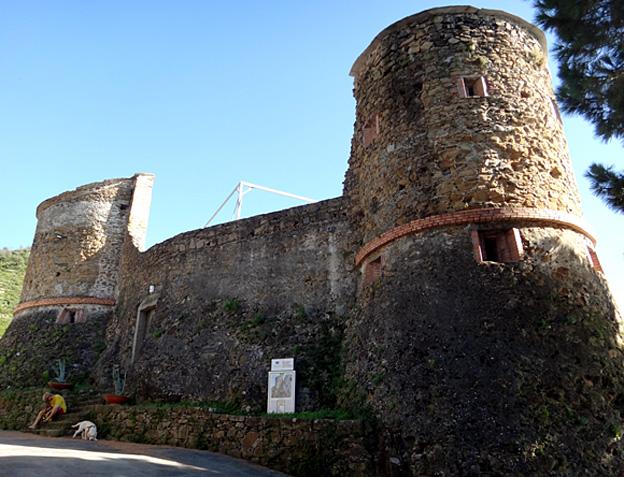riomaggiore fortification 12eme