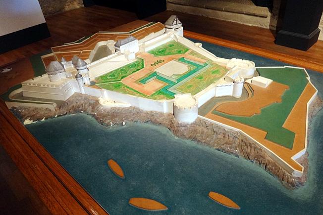 brest chateau musee de la marine