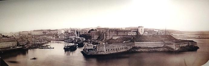entree du port 1861 brest musee de la marine