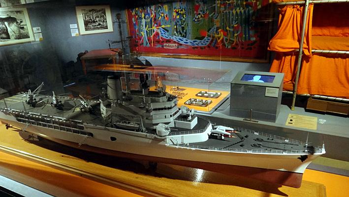 porte helico jeanne d arc brest musee de la marine