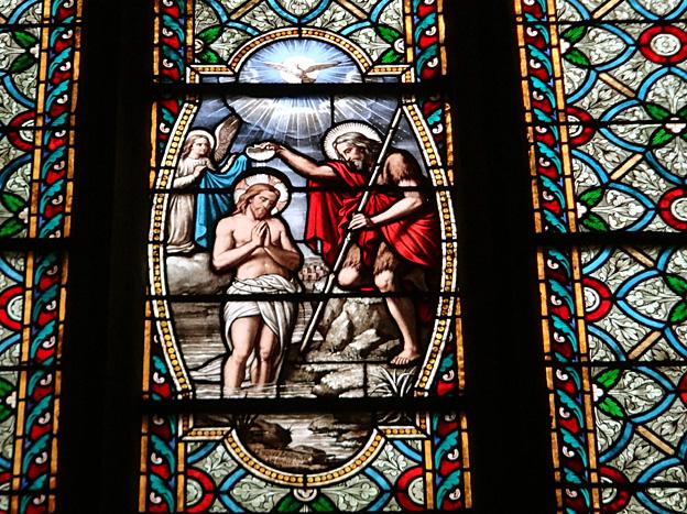 st brieuc cathedrale vitrail bapteme du christ