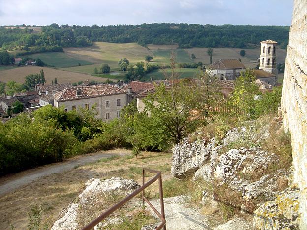 Montcuq église st Hilaire depuis le donjon