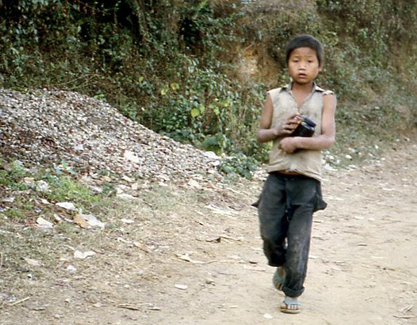 gamin en guenilles nepal