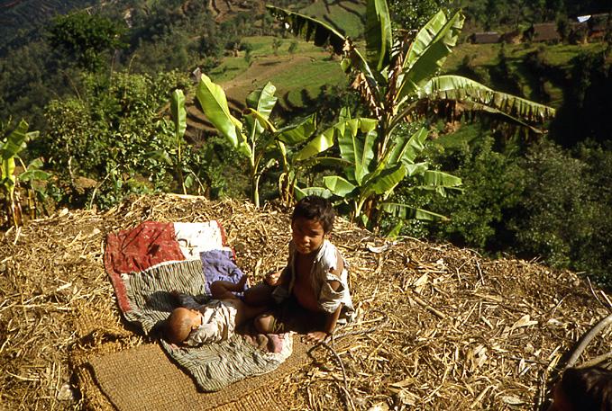 gamin et petit frere nepal