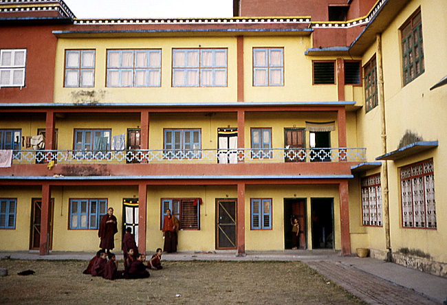 monastere tibetain bodnat nepal