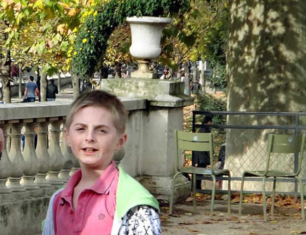 chaleur automne gamin paris luxembourg