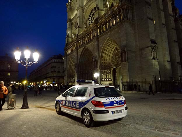 paris apres attentats vigipirate a notre dame