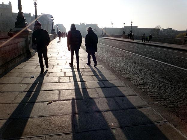 paris soleil bas en janvier pont neuf