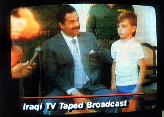 Ogre Saddam Hussein et Stephen 23août1990