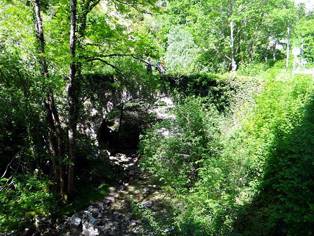 pont romain able sur riviere rebenty