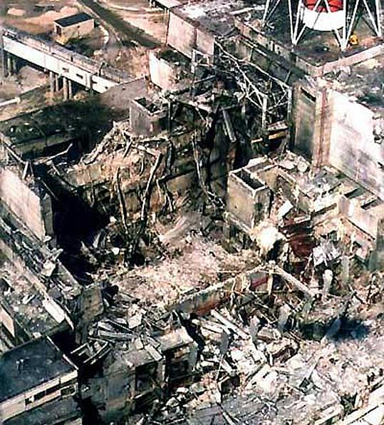 Tchernobyl-reacteur-IV-eventre