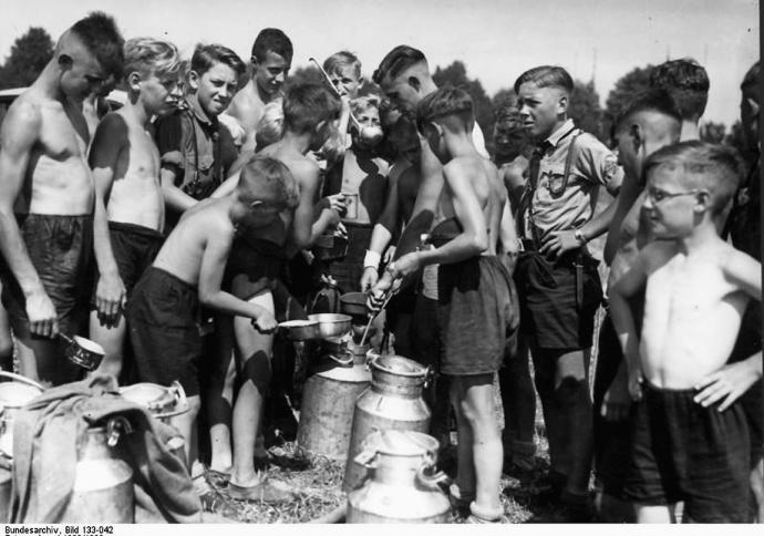 Hitlerjugend, Essensausgabe