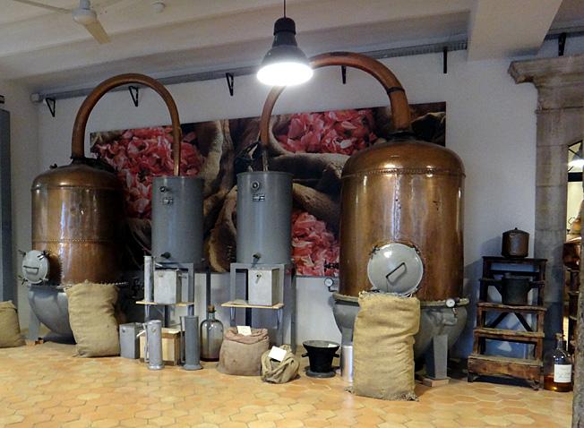 Grasse usine Fragonard distillation