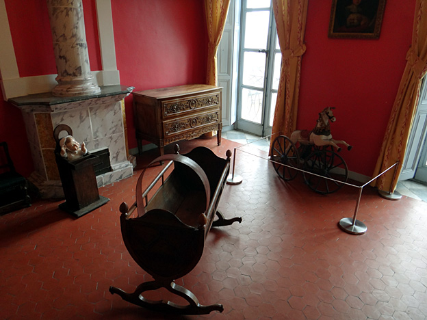 musee Fragonard chambre enfant berceau