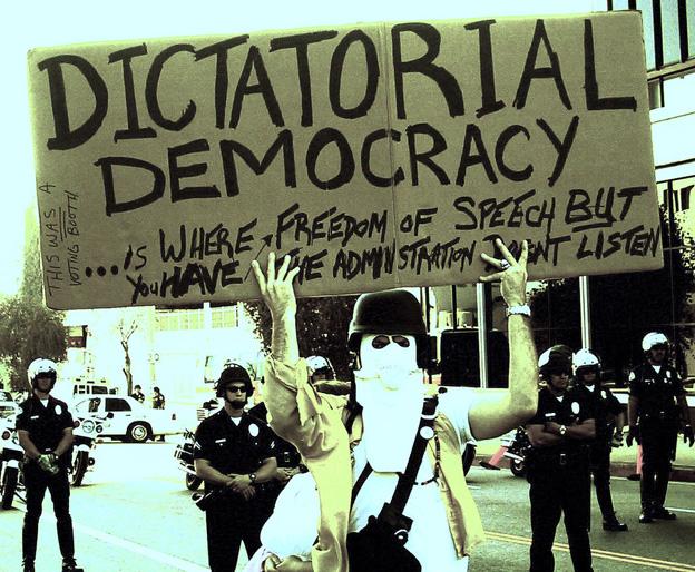 democratie dictatoriale