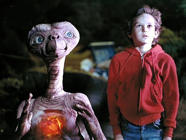 ET et Elliott 10 ans