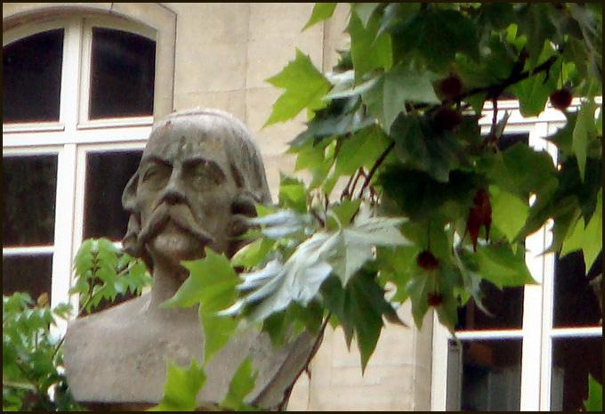 flaubert-jardin-du-luxembourg