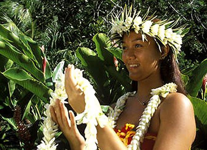 collier-fleurs-polynesie