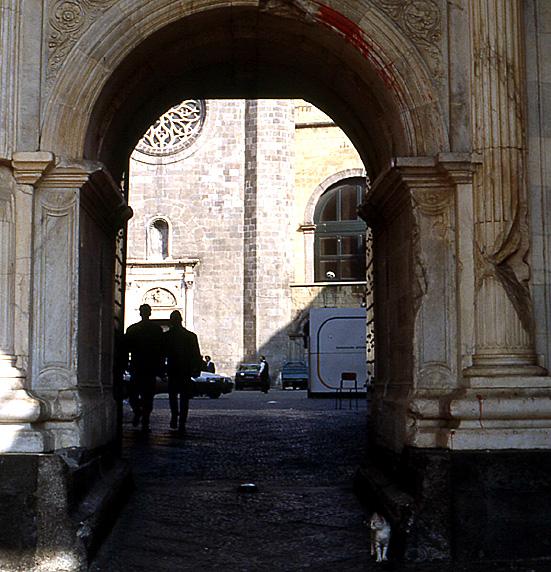 naples-castel-nuovo-porche