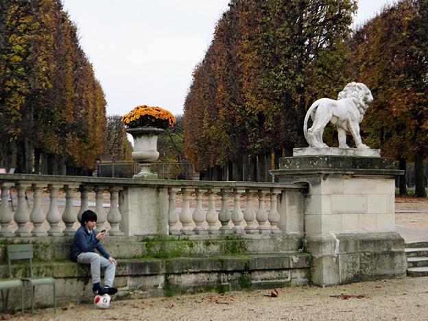 paris-luxembourg-kid