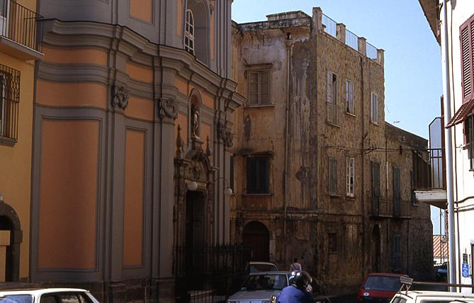 pouzzoles-facades