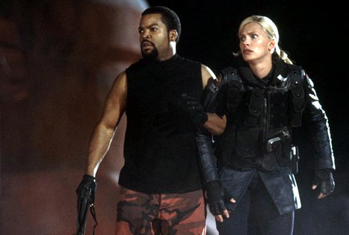 ghosts-of-mars-ice-cube-et-natasha-henstridge